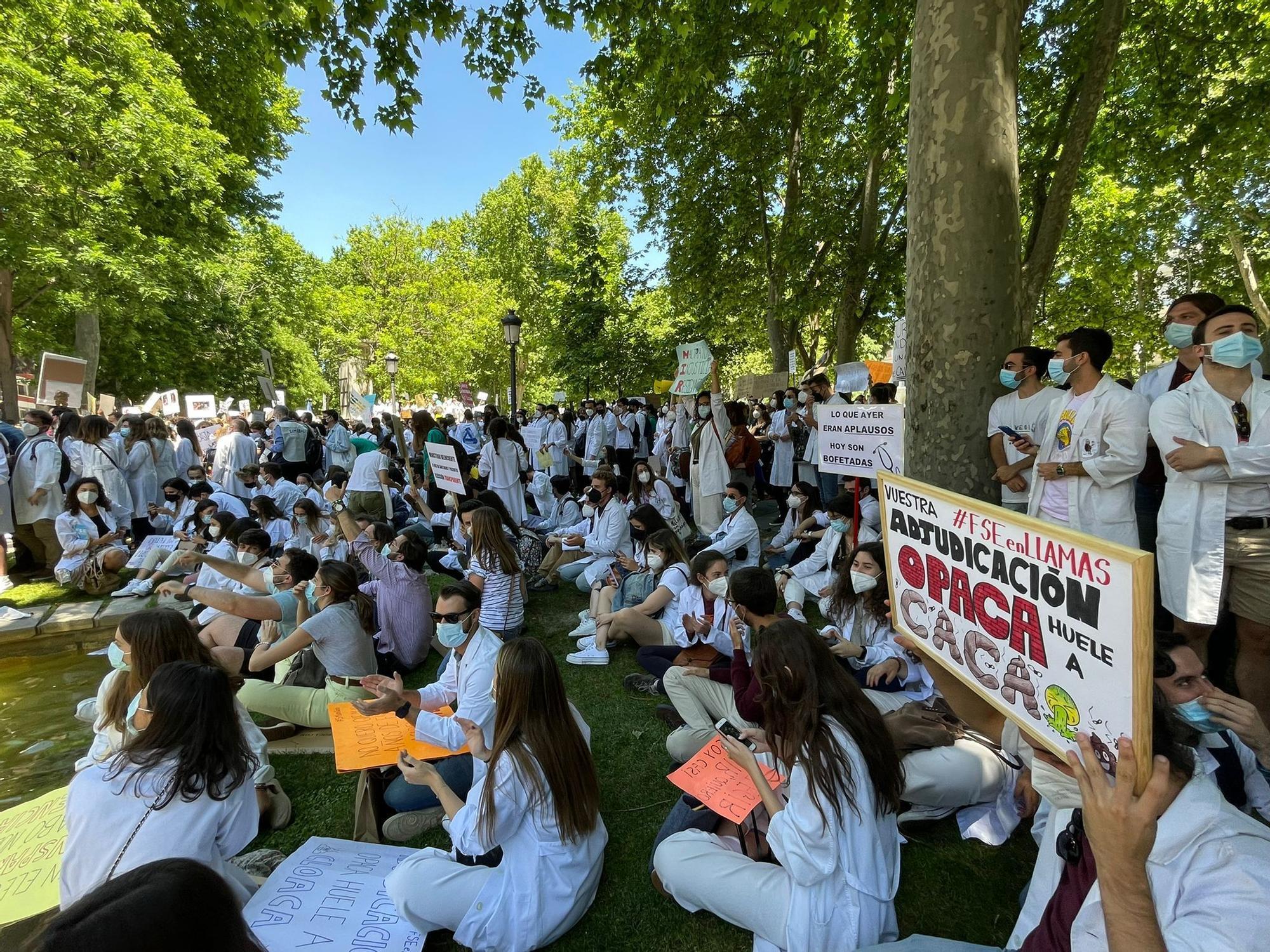 Médicos malagueños MIR protestan en Madrid por el cambio de criterio de Sanidad
