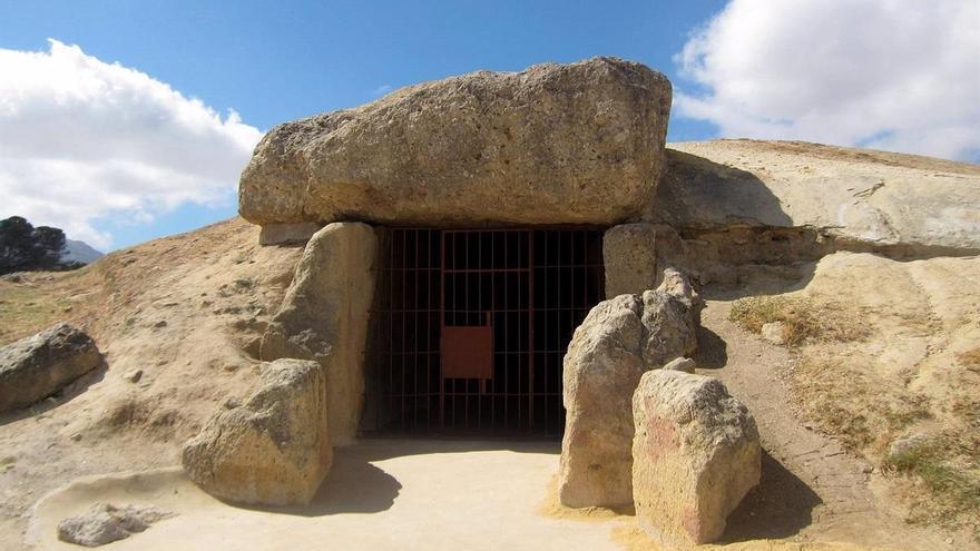Hallan un nuevo monumento megalítico en Antequera