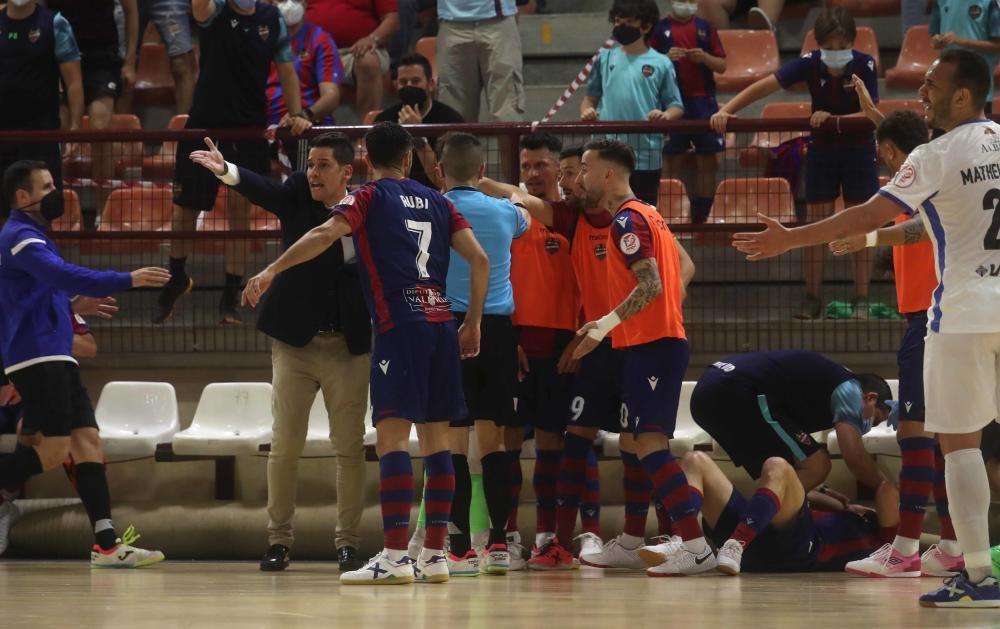 El Municipal de Paterna acoge el primer duelo