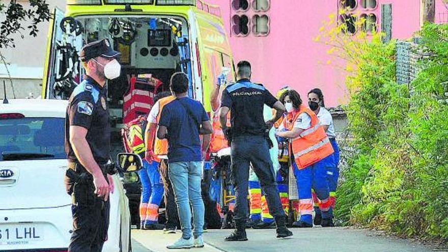 Una niña de tres años, en estado muy grave tras ser rescatada en una piscina en Cangas