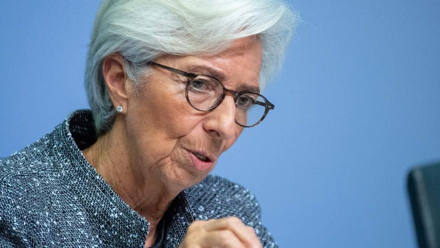 Lagarde anticipa que el PIB de la eurozona caerá entre un 8% y un 12% en 2020