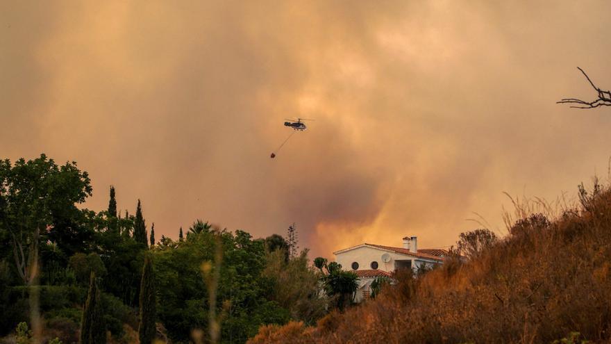 Sánchez expresa su pésame por el bombero fallecido en el incendio de Sierra Bermeja