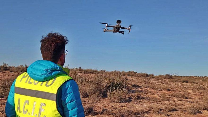 Voluntarios de Acif Salinas incorporan drones contra los incendios forestales