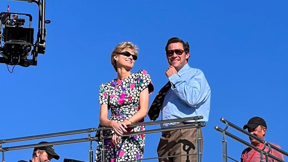 La actriz Elizabeth Debicki, caracterizada como Diana de Gales, durante el rodaje de 'The Crown' en el Club de Mar de Palma.