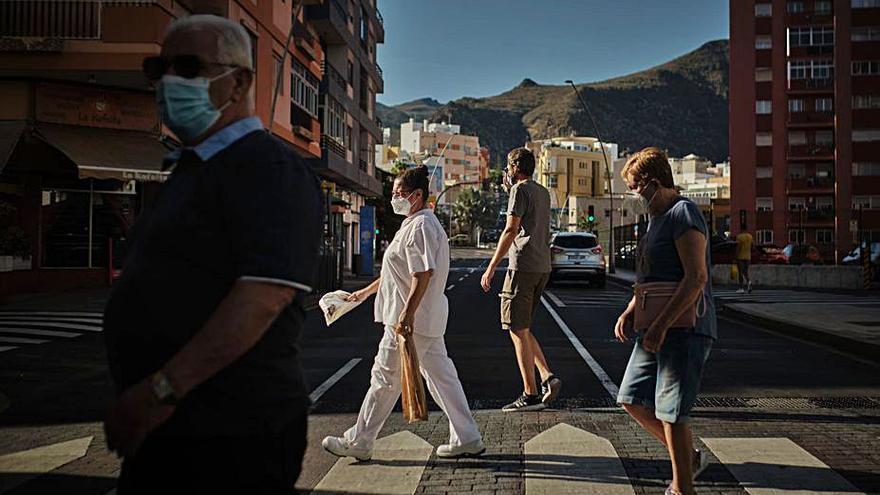 Tenerife acumula el 62% de los brotes de coronavirus del Archipiélago