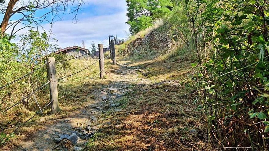 L'Ajuntament de Llívia condiciona el camí turístic de pujada al Castell