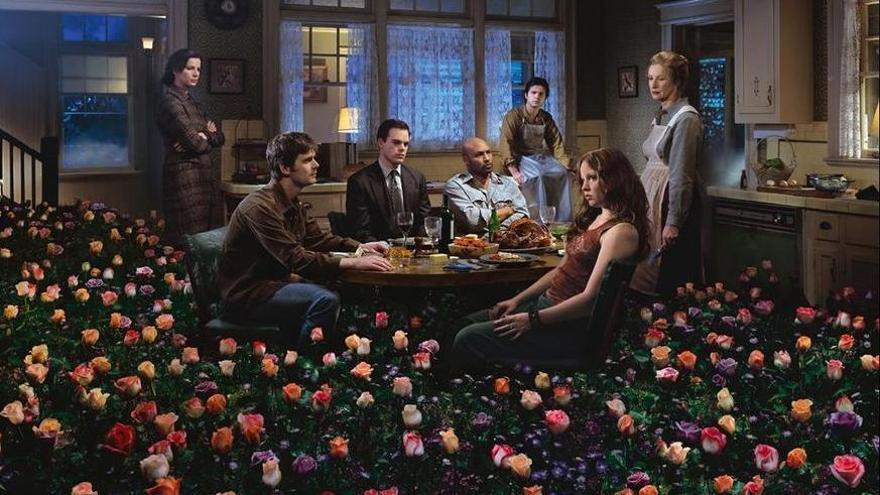 Imagen del poster de la tercera temporada de A dos metros bajo tierra.