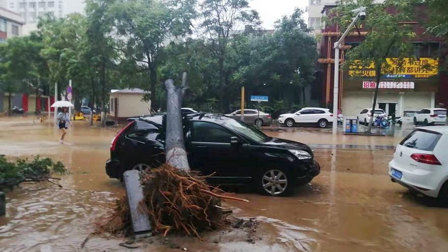 Las lluvias torrenciales asolan una provincia de 100 millones de personas en China