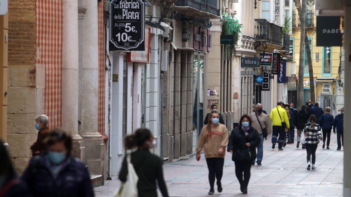 Descienden los contagios en Málaga, aunque la provincia sigue sumando muertes