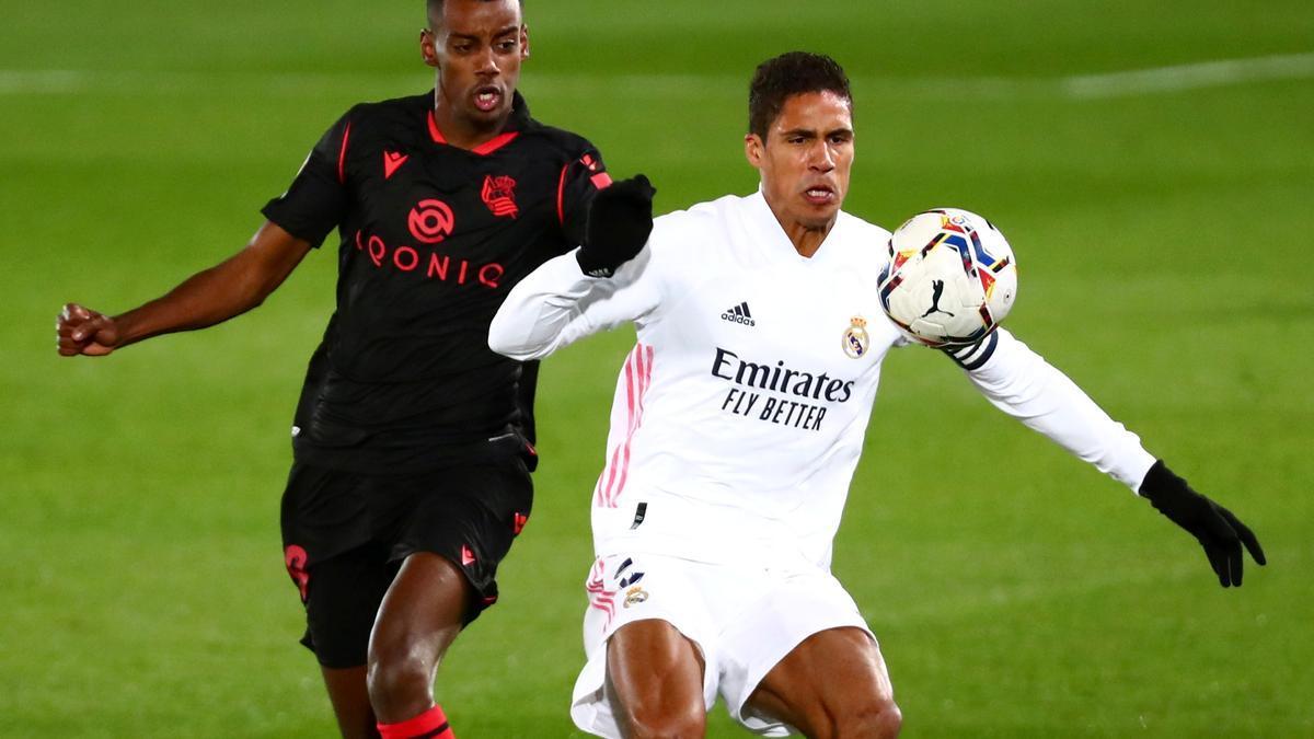 Varane, en un partido ante la Real Sociedad.