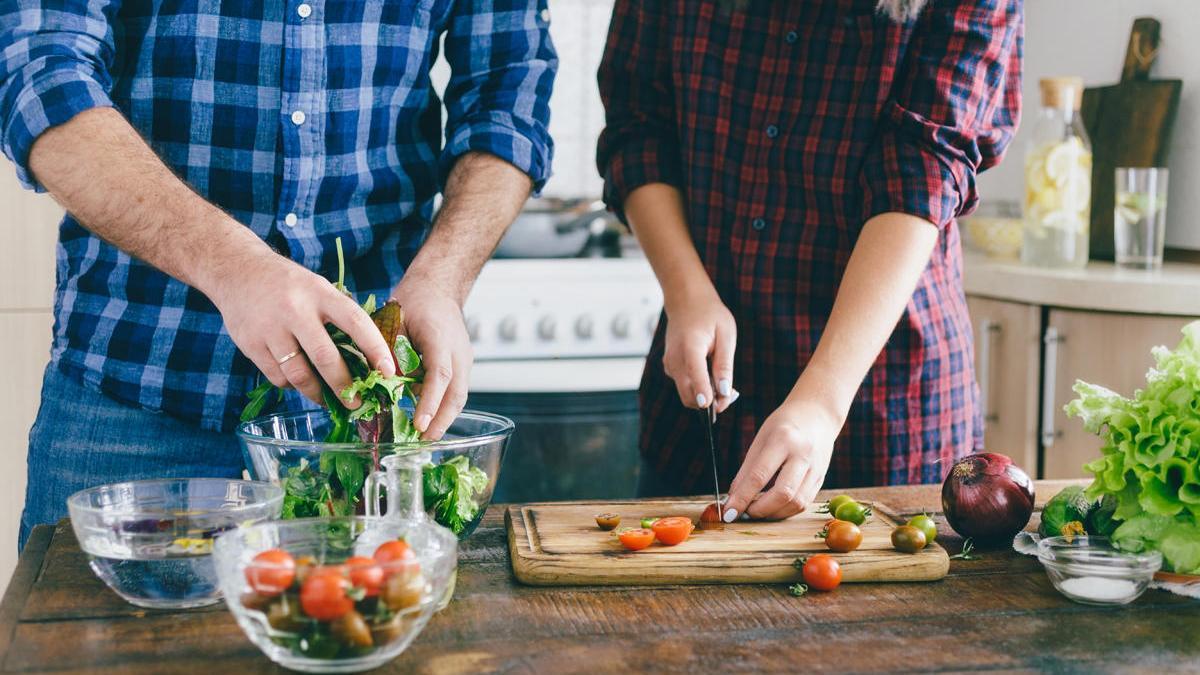 Tres ensaladas ligeras y fáciles de hacer para degustar este verano.