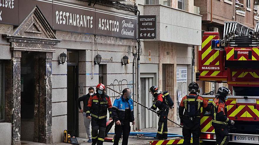 El incendio de una chimenea de un restaurante causa alarma en Zamora