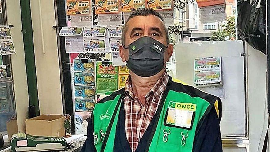 Un vendedor de la ONCE reparte 350.000 euros en diez cupones premiados en Galicia