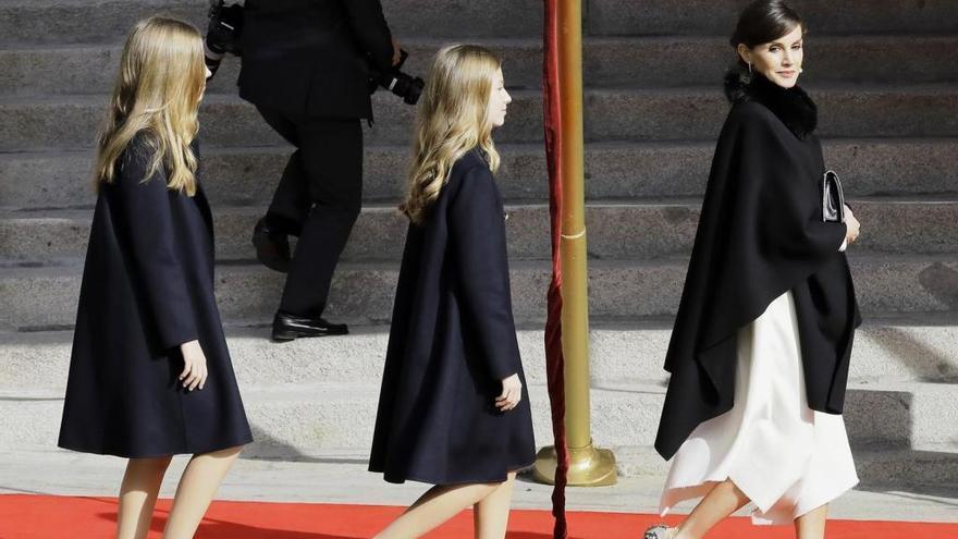 Letizia, Leonor y Sofía, las coincidencias de sus tres looks