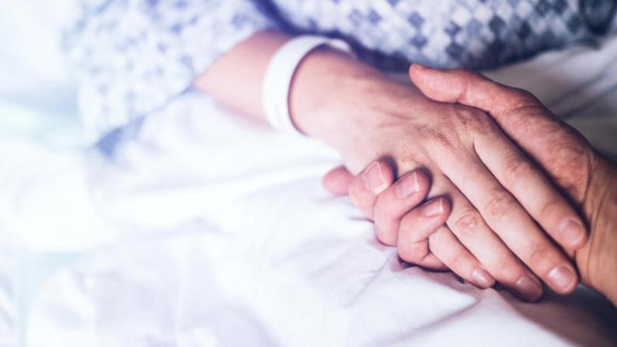Descubren cáncer de ovario a una niña británica a la que diagnosticaron estreñimiento