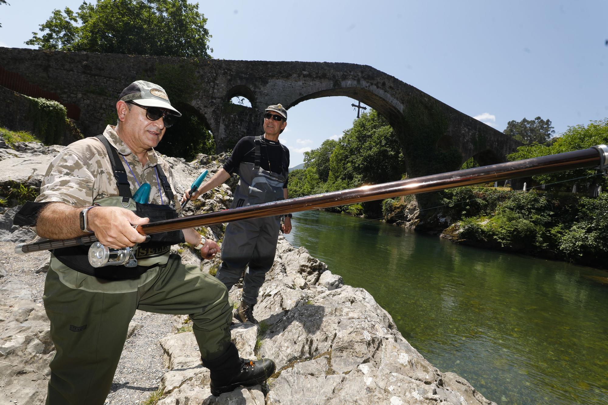 Temporada del salmón en Asturias: último día de pesca con cebo