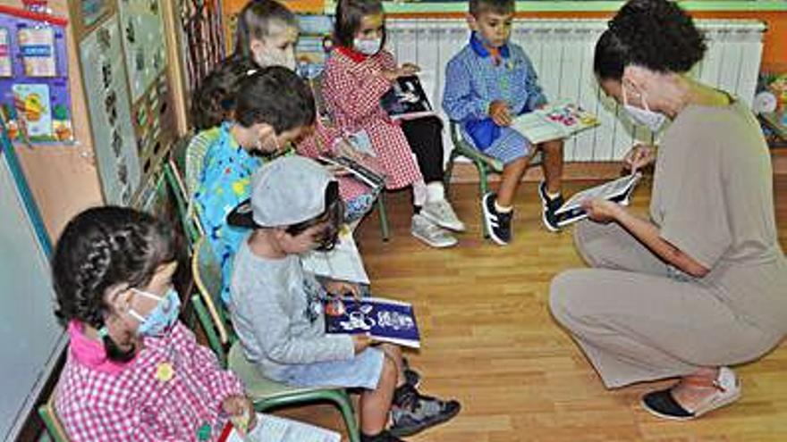 Soutomaior reparte 960 agendas entre sus escolares