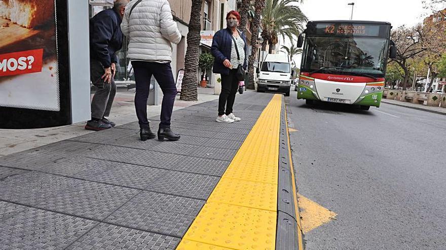 La calle Pedro Juan Perpiñán  se llenará de paradas accesibles