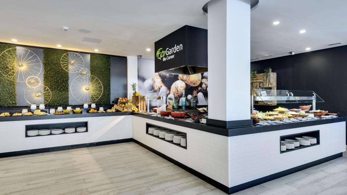 BIO CORNER: El buffet siempre es 100% ecológico, y de proximidad (km0) y de temporada siempre que les es posible desde hace 4 temporadas.