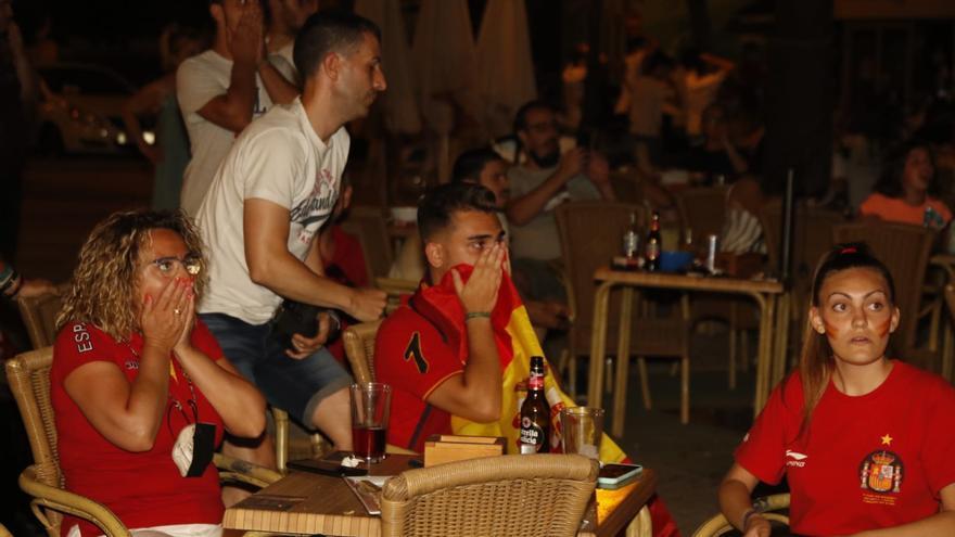 Los aficionados cordobeses con la selección española