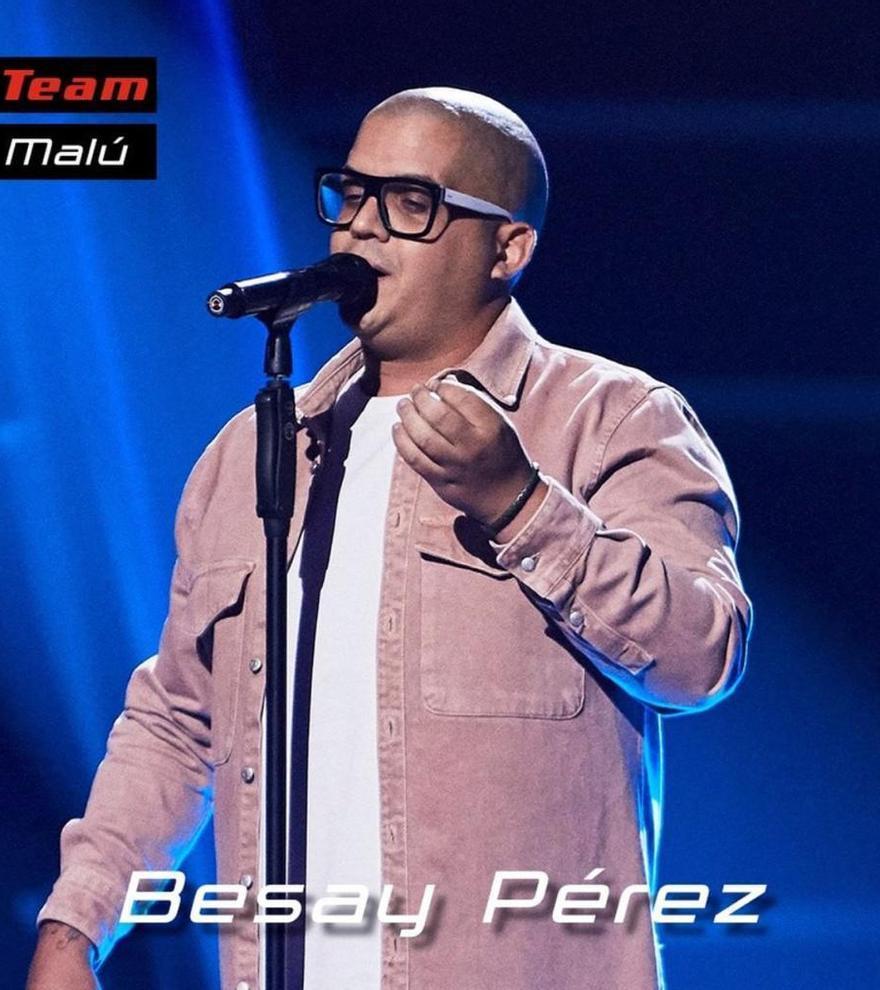 Besay Pérez, solista de rondallas y Los Sabandeños, enamora con su voz en Antena 3