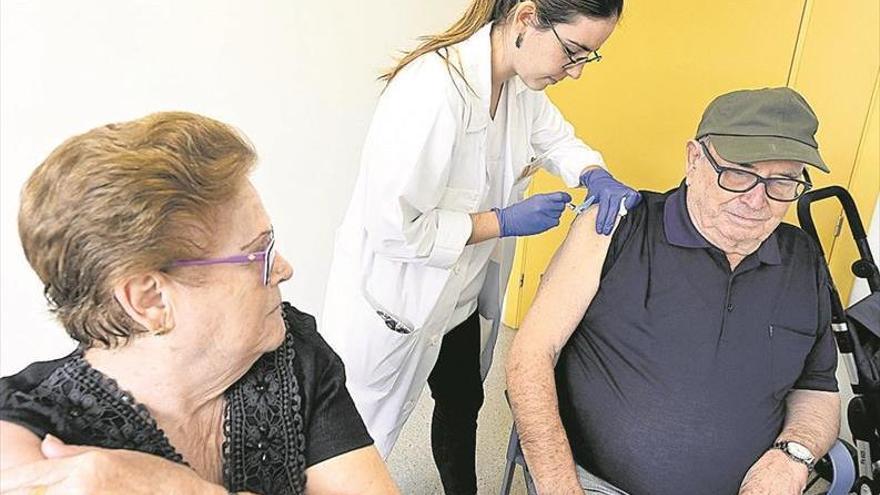Ambulatorios de Castelló se quedan sin vacunas antigripales pese a ir el virus a más