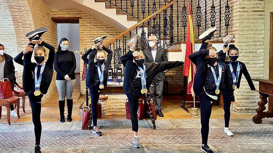 Alboraia recibe a sus Campeonas de Gimnasia