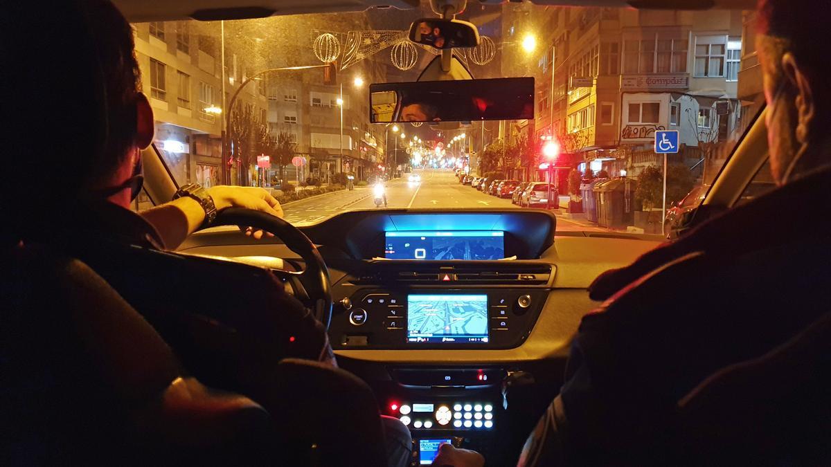 Agentes de la Policía Local de Vigo, de patrulla nocturna por Vigo
