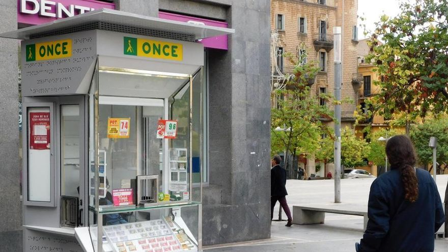 Els 87 venedors de l'ONCE a Manresa tornaran dilluns a vendre els seus cupons