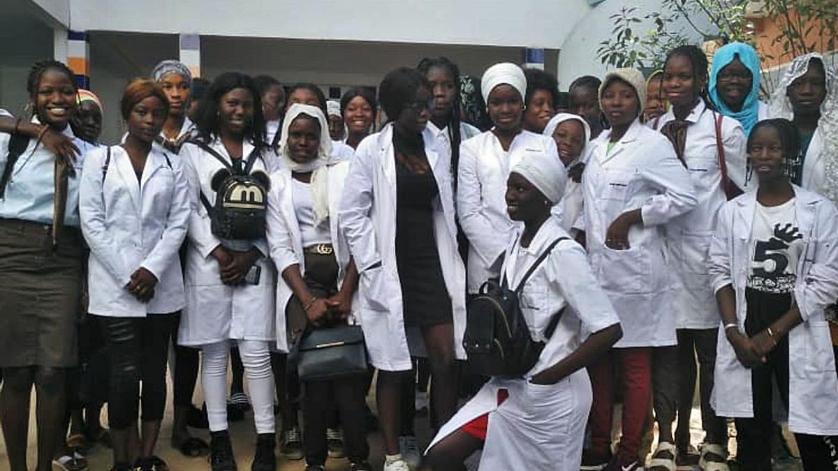 Alumnas del curso de conservación de frutas en Senegal.  | // L. O.