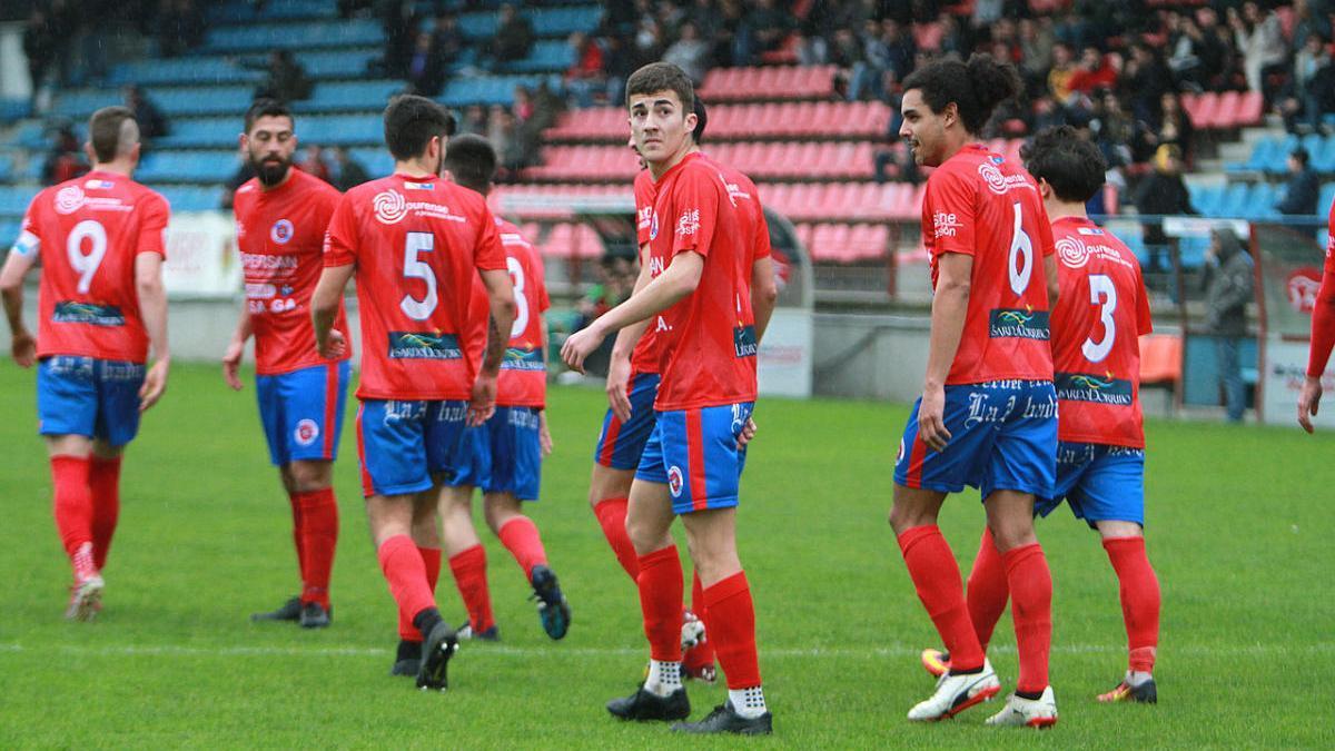 Jugadores del UD Ourense durante un partido anterior. // Iñaki Osorio