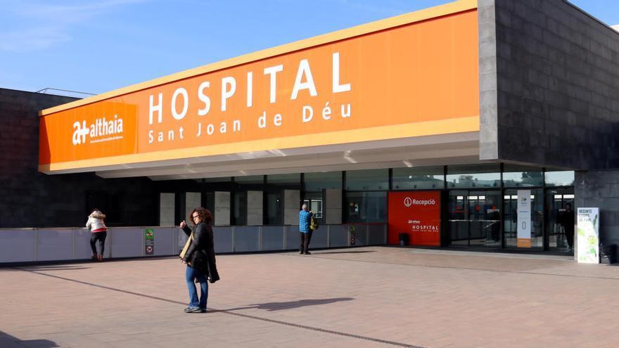 El director assistencial de l'hospital de Manresa reconeix que han hagut de triar a l'hora de fer tractaments a l'UCI