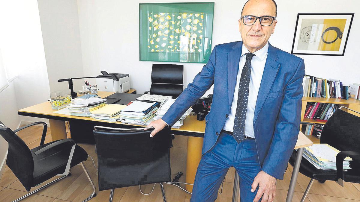 El consejero de Educación, Cultura y Deporte de la DGA, Felipe Faci, recibió a este diario en su despacho