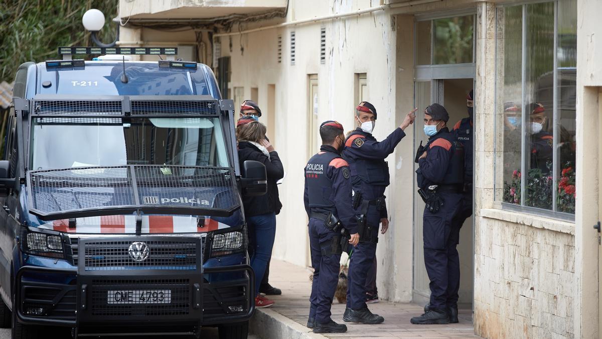 Más de 500 detenidos en la operación contra la red de carnés de conducir falsos.