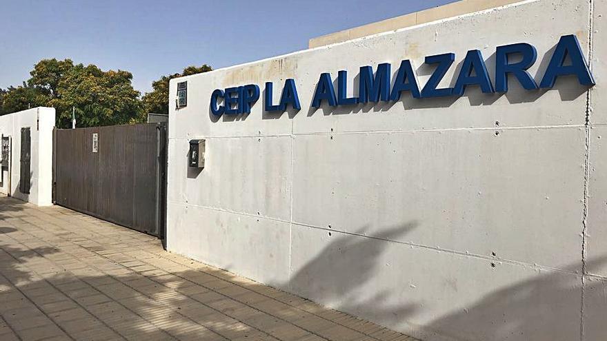 Roban tres veces en el Colegio La Almazara de San Vicente y reclaman cámaras de vigilancia