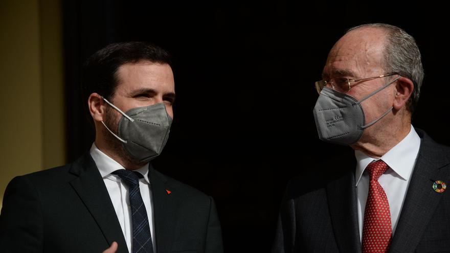El alcalde da la razón al ministro Garzón en la polémica con Bendodo por el jamón y el aceite