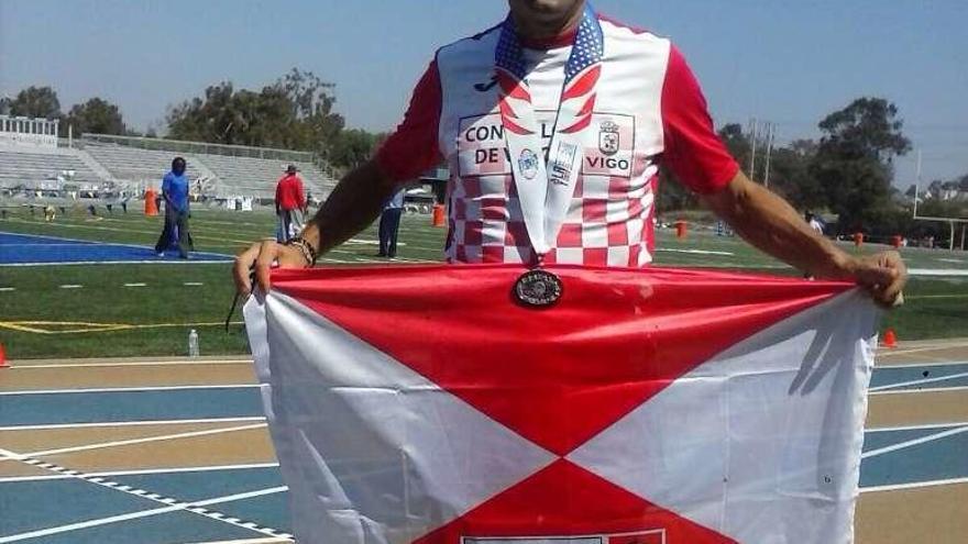 El policía vigués Alberto Vázquez gana tres medallas en los Juegos de Los Ángeles