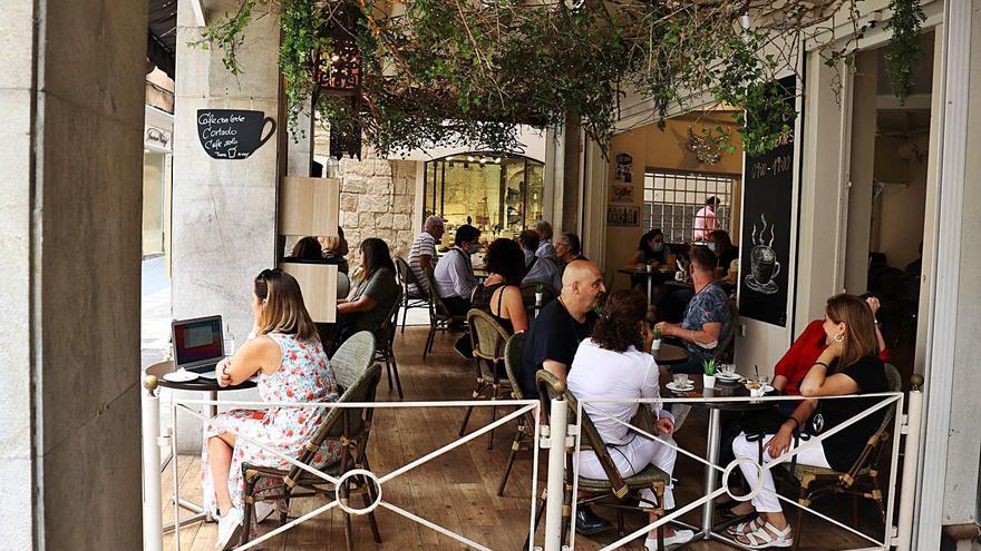 Los agentes sociales de Baleares debaten su apoyo a un nuevo toque de queda