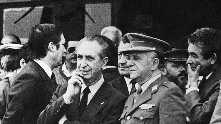 Aquellas dieciocho horas grotescas: así se vivió el 23-F en Asturias