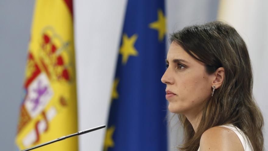 Irene Montero, Oltra y Ribó salen en tromba contra la prohibición de 32 libros LGTBI en Castelló