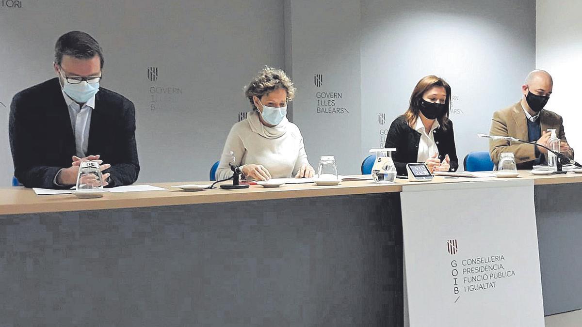 Los cuatro responsables políticos explicaron el operativo de control.