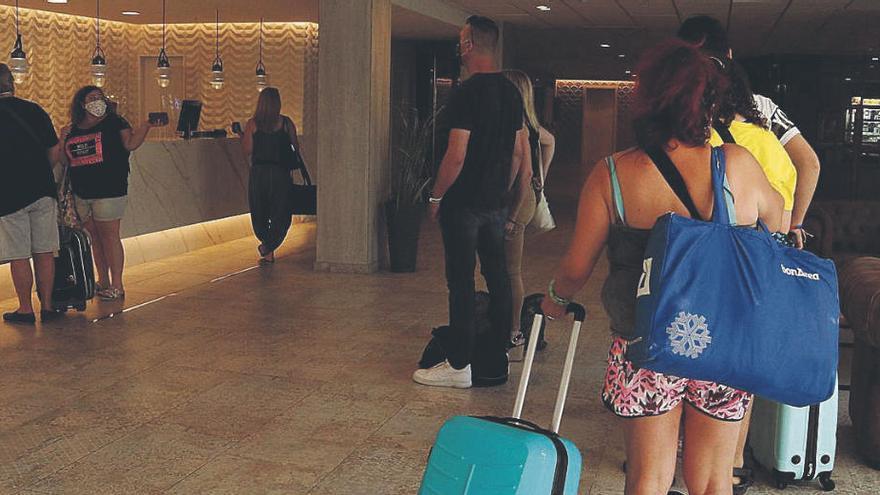 Caiguda del turisme estranger i espanyol