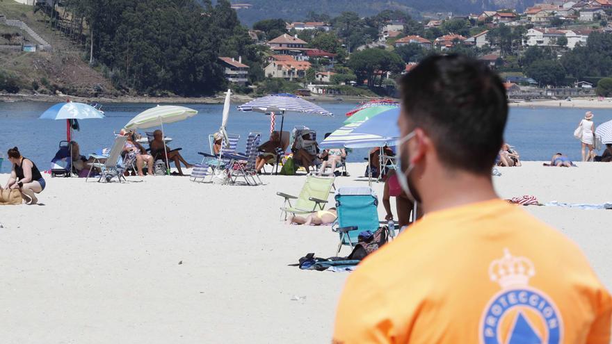 Rescatan el cuerpo de un baionés de 75 años en la playa de A Ladeira