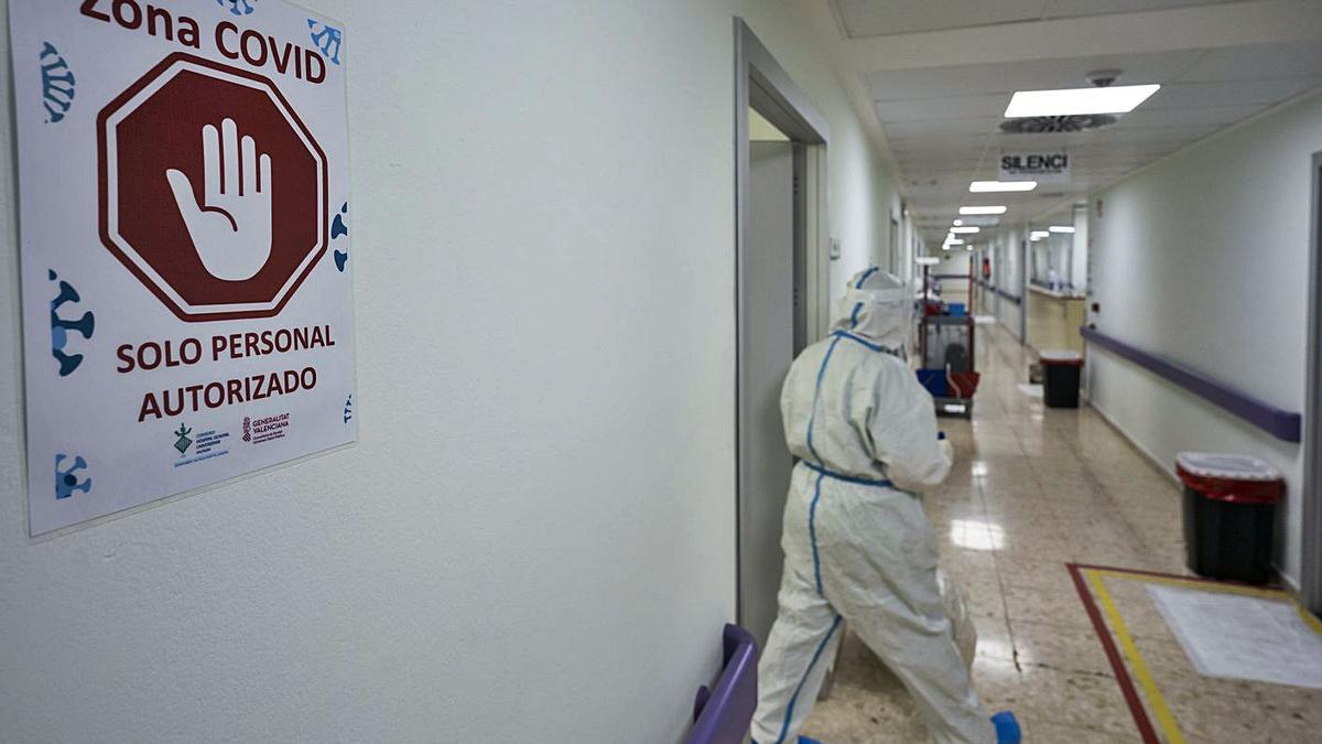 Zona covid del hospital General de València, en una imagen de archivo. | GERMÁN CABALLERO