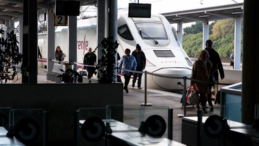 Renfe invierte 35 millones de euros en mejorar sus trenes en comodidad y comunicación wifi