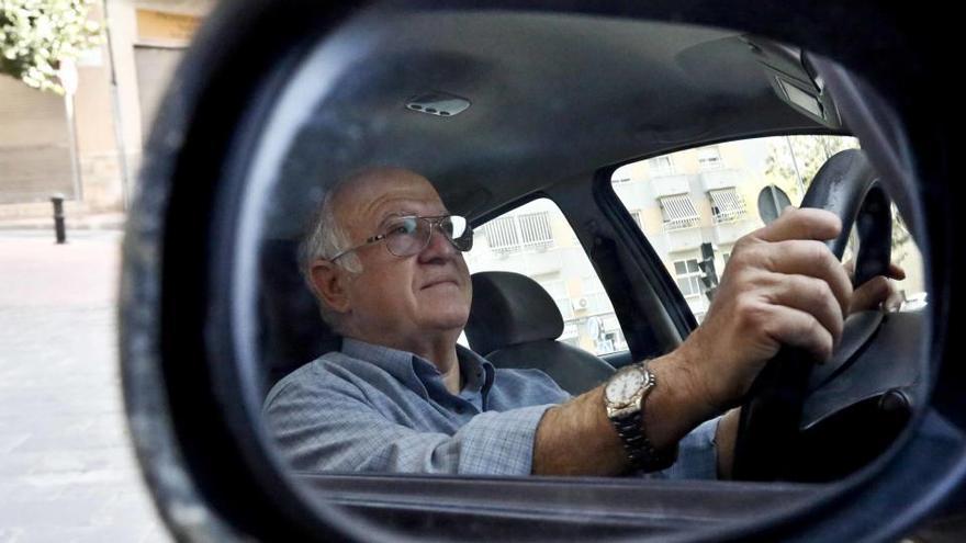 Los jubilados consideran discriminatorio poner una M a los conductores mayores