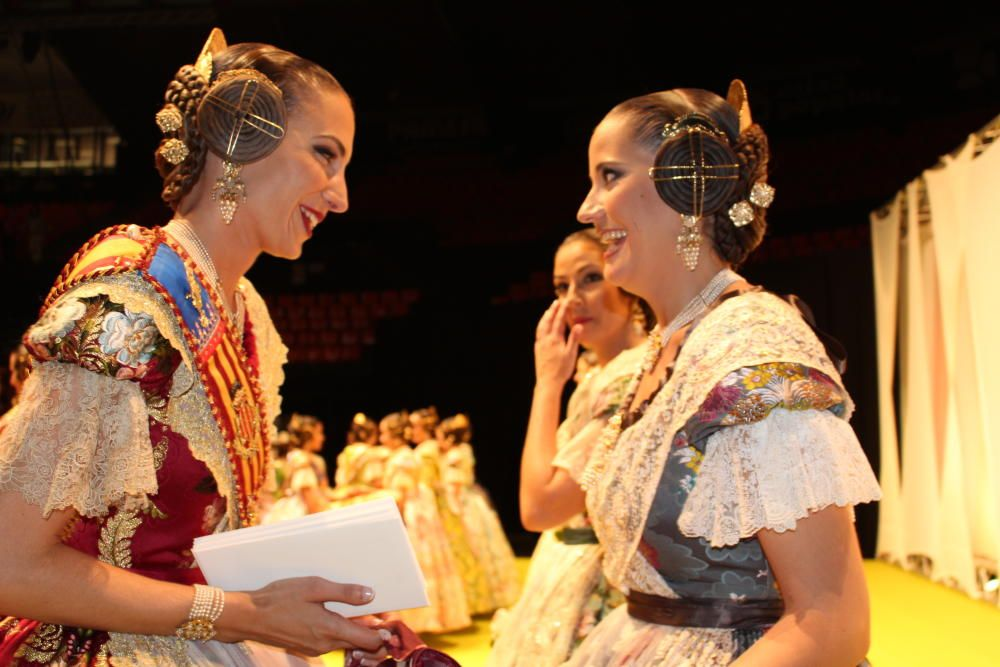 Raquel Alario departe con las elegidas.