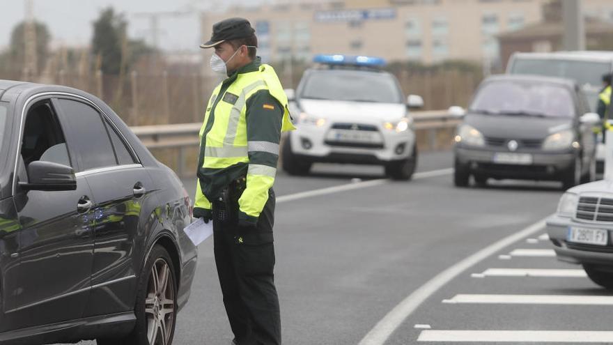 """Piden que Cataluña sea zona policial singular por el """"acoso"""" a la Guardia Civil y la Policía"""