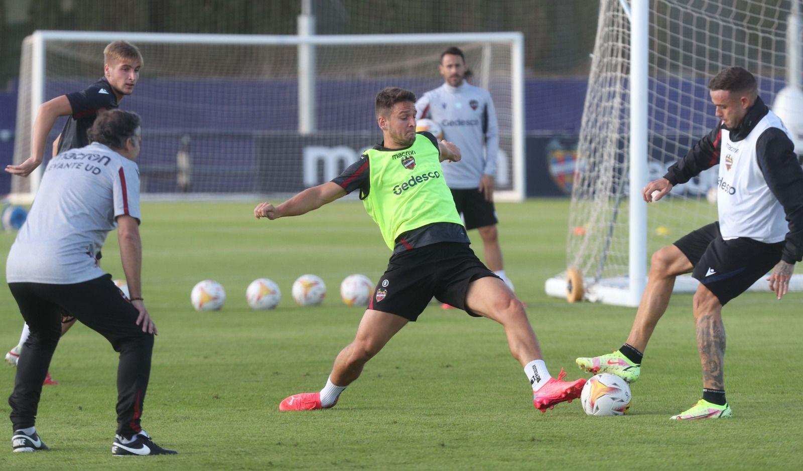 Así fue el primer entrenamiento de Javi Pereira con el Levante UD
