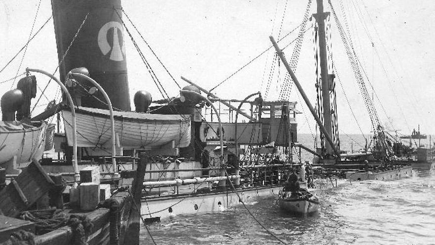 Centenario del incendio y hundimiento del vapor 'Roger de Lluria' en el Puerto de Santa Cruz